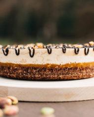 Raw Snickers Cake – prajitura snickers – Greenlicious Oradea (1)