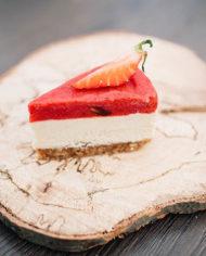 Raw Strawberry Cake – prajitura capsuni – Greenlicious Oradea (1)
