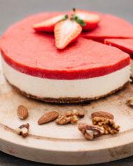 Raw Strawberry Cake – prajitura capsuni – Greenlicious Oradea (3)