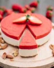 Raw Strawberry Cake – prajitura capsuni – Greenlicious Oradea (6)
